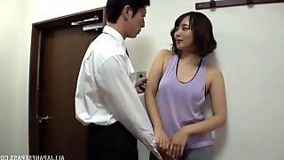 Threesome sex with amateur Japanese mature wife Misaki Kanna